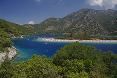 Plage de deniz de ¼ de ÃlÃ, Turquie photos stock