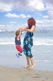 Plage de famille photographie stock libre de droits