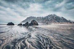 Plage de fjord en Norvège photographie stock libre de droits