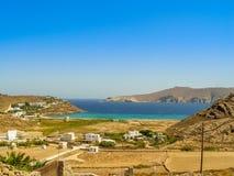 Plage de Ftelia en mer Égée de Mykonos en Grèce Image libre de droits