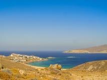 Plage de Ftelia en mer Égée de Mykonos en Grèce Photographie stock