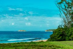 Plage de galets, parc national NSW de Murramarang Image stock