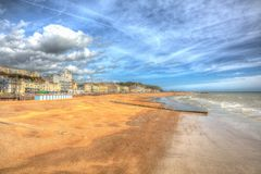 Plage de Hastings East Sussex R-U dans HDR coloré photographie stock libre de droits