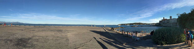 Plage de la Gravette panorama, Antibes, Frankrike Arkivfoton