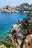 Plage de la Sardaigne, mer merveilleuse dans le Testa de capo l'Italie image libre de droits