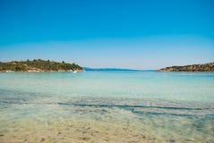 Plage de Lagonisi sur la péninsule de Sithonia, Halkidiki, Grèce Photo libre de droits
