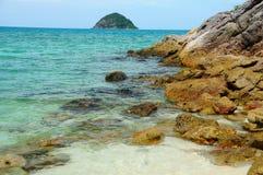 Plage de Laguna avec la roche Image stock