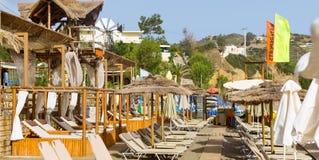 Plage de Livadi dans le village Bali, Crète de station de vacances Photo libre de droits