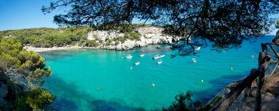 Plage de Macarella dans Menorca, Espagne Photographie stock libre de droits