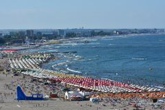 Plage de Mamaia sur la côte de la Mer Noire Image stock
