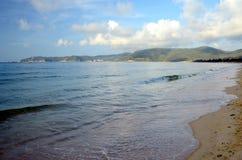 Plage de mer de sud de la Chine, Hainan ; Sanya, baie de Yalong Images stock