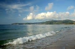 Plage de mer de sud de la Chine, Hainan ; Sanya, baie de Yalong Image stock