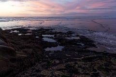 Plage de Muriwai Photo stock