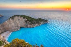 Plage de naufrage au coucher du soleil sur l'île de Zakynthos Images stock