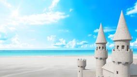 Plage de pâté de sable sur le ciel lumineux rendu 3d Images libres de droits
