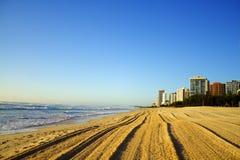 Plage de paradis de surfers Images stock