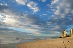 Plage de paradis de surfers Images libres de droits