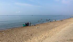 Plage de Phu Quoc avec les sables blancs et le ciel nuageux Photo stock