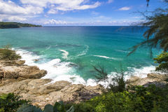 Plage de pierre de mer d'océan Photos stock