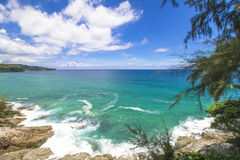 Plage de pierre de mer d'océan Photo stock