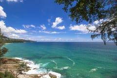 Plage de pierre de mer d'océan Photographie stock