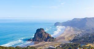 Plage de Piha en Nouvelle Zélande Photo stock