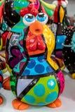 Plage de Porto de Galinhas, Ipojuca, Pernambuco, Brésil - septembre 2018 : Statues de métier de poulet photo libre de droits