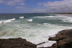 Plage de ressac dans NSW du nord, Australie Photographie stock libre de droits