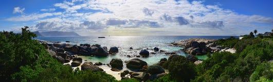 Plage de rochers de l'Afrique du Sud image libre de droits