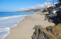 Plage de rue de chêne dans le Laguna Beach du sud, la Californie Images stock