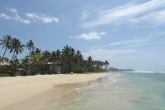 Plage de sable d'Ahangama dans Sriu Lanka Photo stock