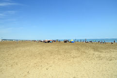 Plage de sable de Gruissan dans les Frances photographie stock libre de droits
