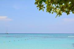 Plage de sable de mer Image stock