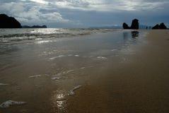 Plage de Tanjung Rhu, Langkawi en Malaisie images libres de droits