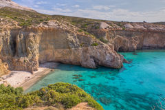 Plage de Tsigrado, Milos île, Grèce Photo stock