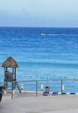 Plage de turquoise dans Cancun Mexique Images libres de droits
