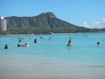 Plage de Waikiki à Honolulu, Etats-Unis images stock