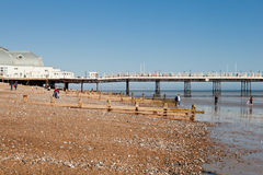 Plage de Worthing, le Sussex occidental, le 17 mars 2014 Photo libre de droits
