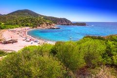 Plage du Su Portu, station de vacances de Chia, Sardaigne, Italie Photo stock