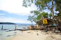 Plage en île de Sapi, Sabah Malaysia photos stock
