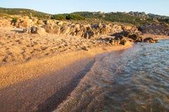 Plage en Costa Paradiso, Sardaigne, Italie Image libre de droits