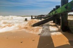 Plage entrante de ville d'Aberdeen de marée photos stock