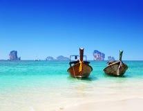 Plage et bateaux, mer d'Andaman Photos stock