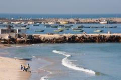 Plage et pêcheurs de Gaza Image libre de droits
