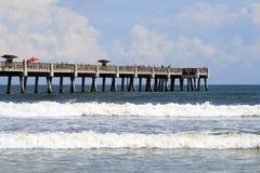 Plage et pilier de Jacksonville la Floride Photo libre de droits
