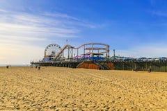 Plage et pilier de Santa Monica Photos stock
