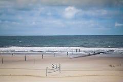 Plage large de sable à la Mer du Nord Photographie stock