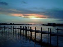 Plage le Golfe du Mexique de Panamá City près d'île pittoresque de Shell de coucher du soleil photographie stock