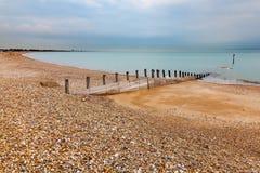 Plage le Sussex occidental de Pagham Photo stock