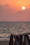 plage méditerranéenne au passage couvert Images libres de droits